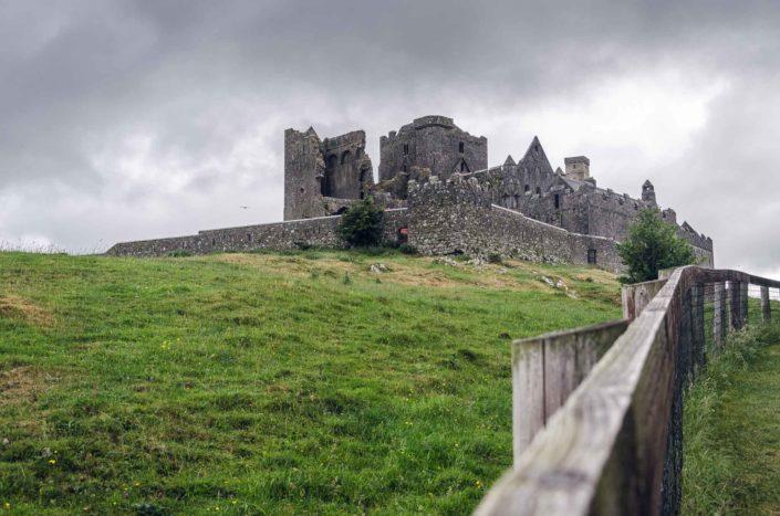 Rock of Cashel - cestování v Irsku