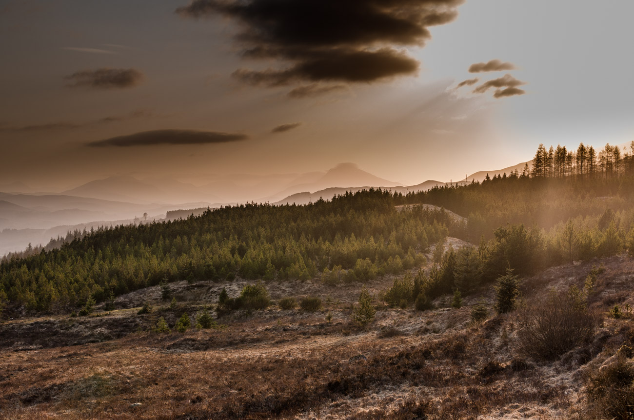 Skotsko - krajina a západ slunce
